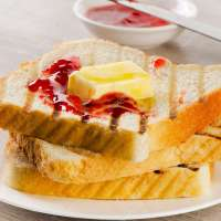 TOAST WITH BUTTER & JAM