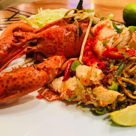 Mee-Goreng-Mamak-Lobster-Berjaya